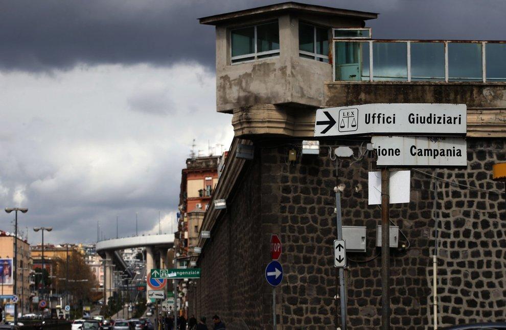 Ufficio Di Sorveglianza Di Napoli : Napoli il tribunale di sorveglianza resta aperto anche d estate