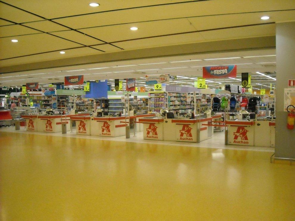 Auchan Tavoli Da Esterno.Sos Per I Dipendenti Auchan In 137 Senza Futuro Nel Napoletano