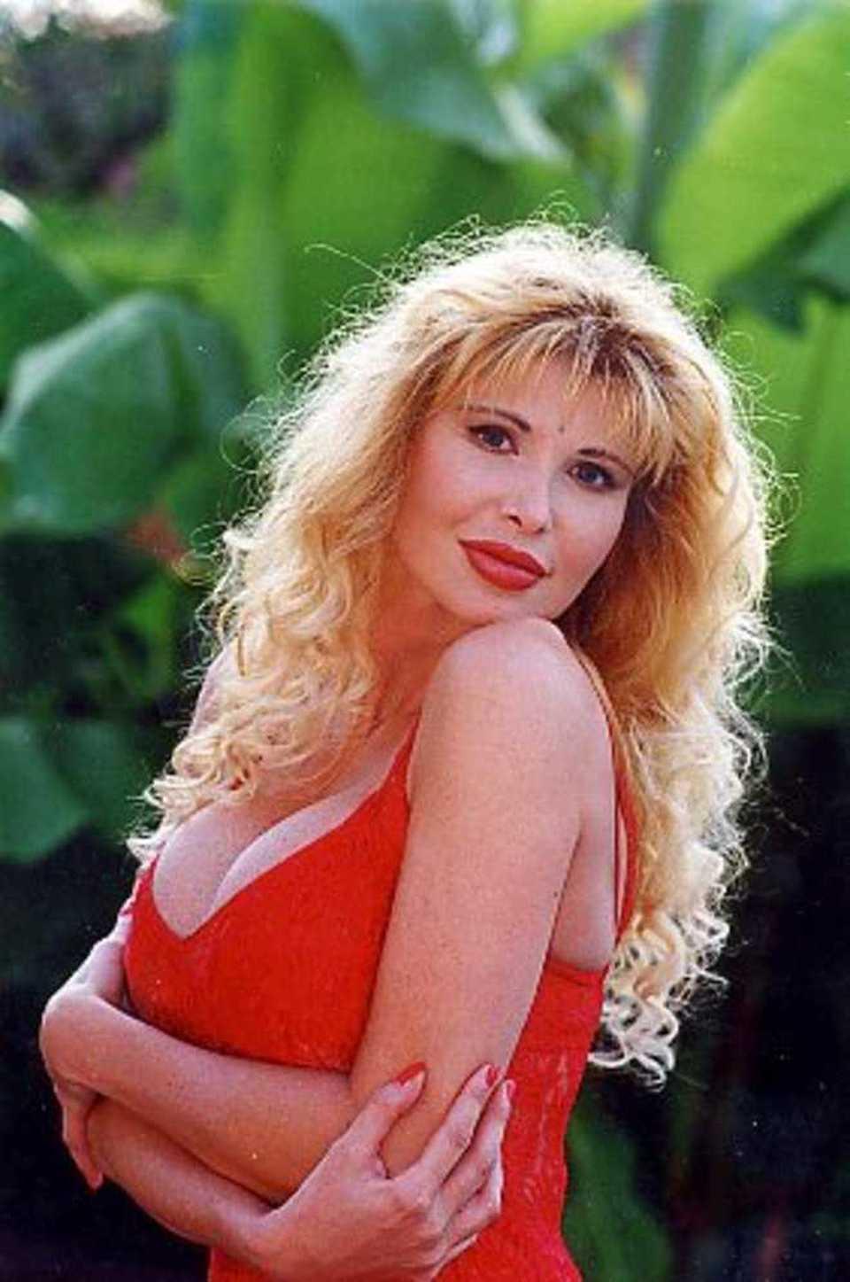 Morta barbarella star del porno negli anni 90 la sua fine avvolta dal mistero come quella - Porno dive anni 90 ...