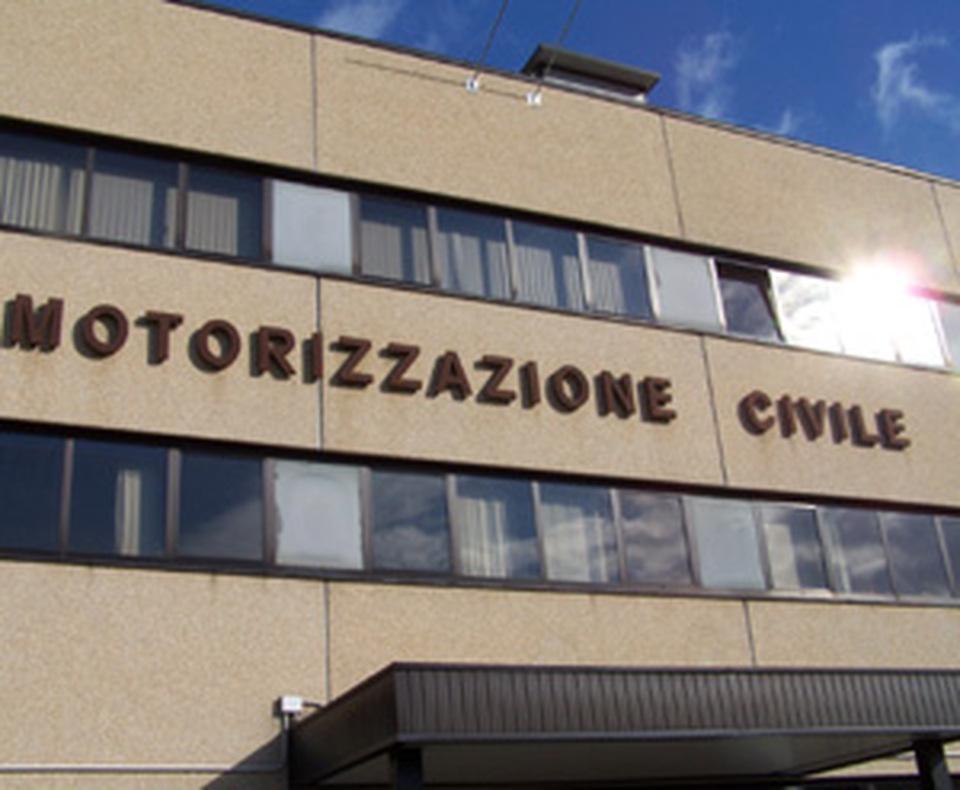 Ufficio Di Motorizzazione : Ispettori negli uffici: commissariata la motorizzazione il mattino