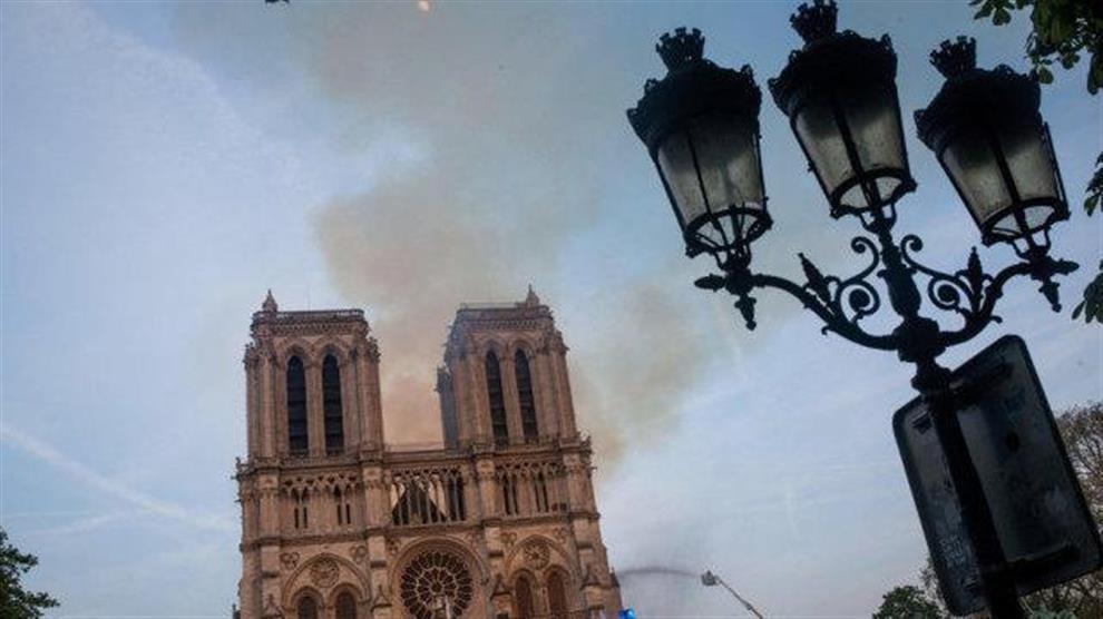 Notre-Dame, la previsione di Nostradamus sul terribile incendio che ...