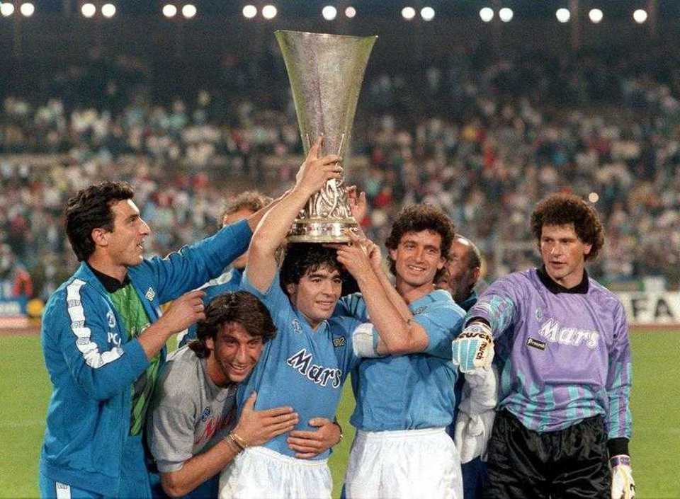 La vittoria in Coppa Uefa nel 1989 targata Maradona