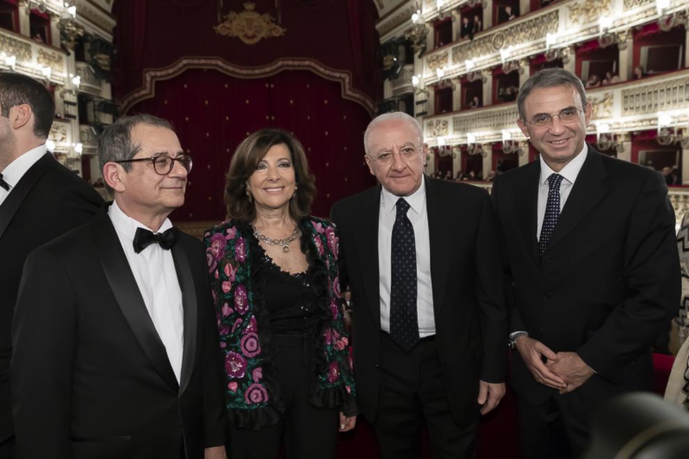Crisi teatro San Carlo, De Luca apre: «Pronti a sponsorizzazioni dei privati»
