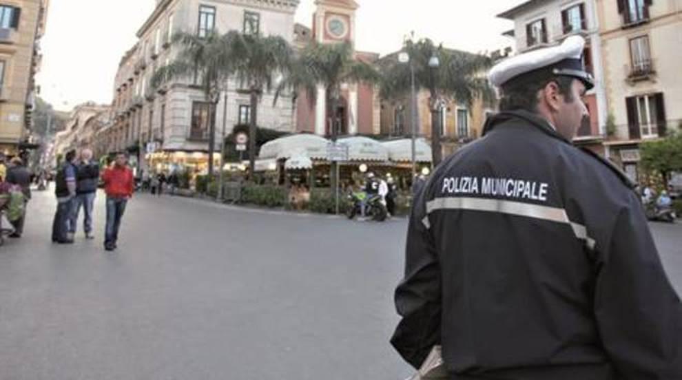 Insultarono un vigile urbano: ex carabiniere e moglie condannati