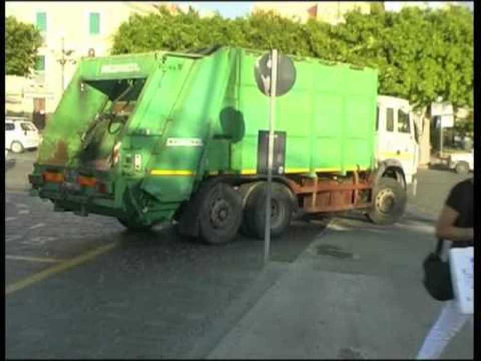Roccarainola, rubato (ancora!) e ritrovato il camion dei rifiuti