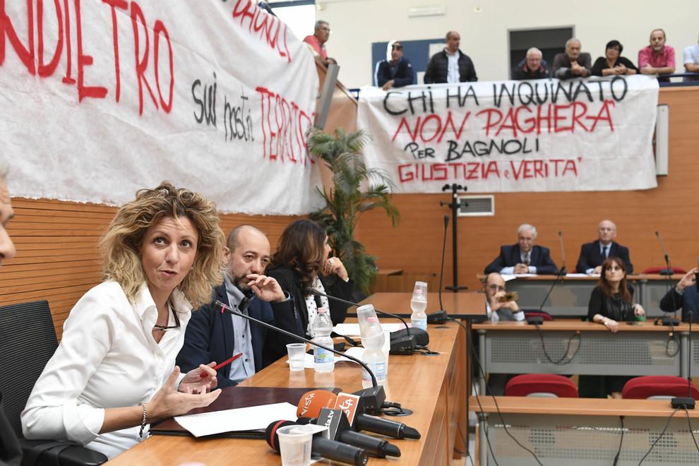 Bagnoli, de Magistris dalla Lezzi: «Massima sintonia con il Comune»