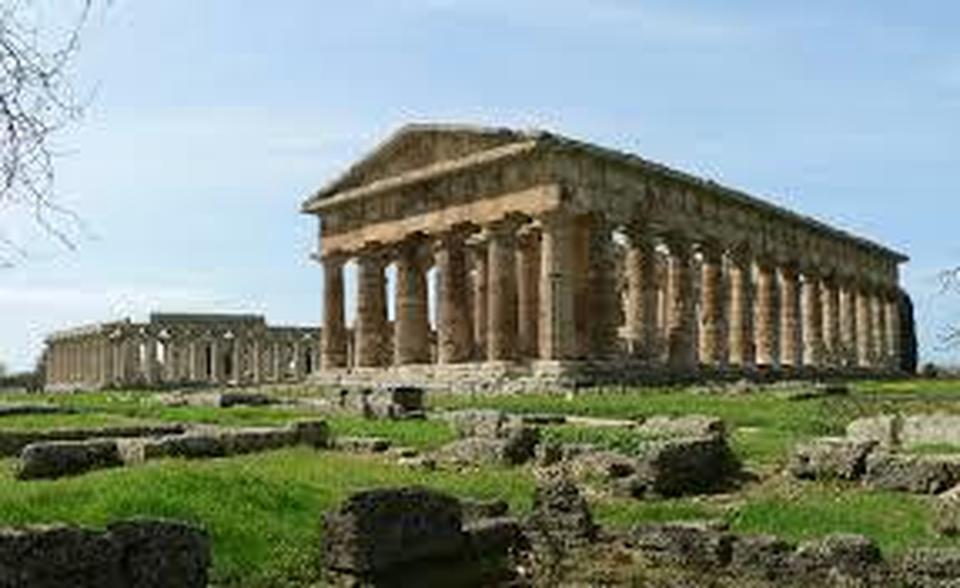 Risultati immagini per archeotreno paestum
