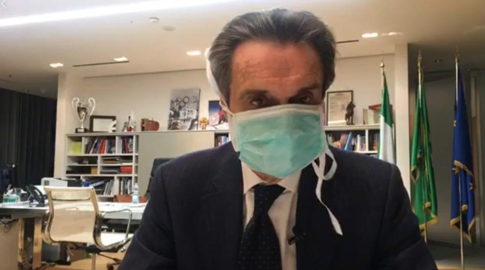 bambino maschera virus