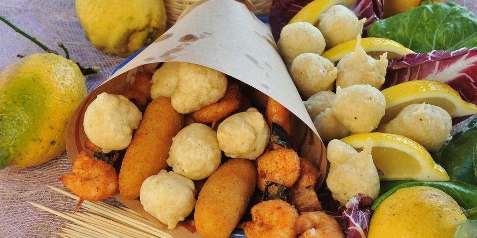 Risultati immagini per street food napoli