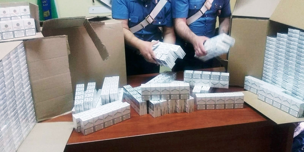 In auto con 52 chili di sigarette ?di contrabbando, arrestato nel Napoletano