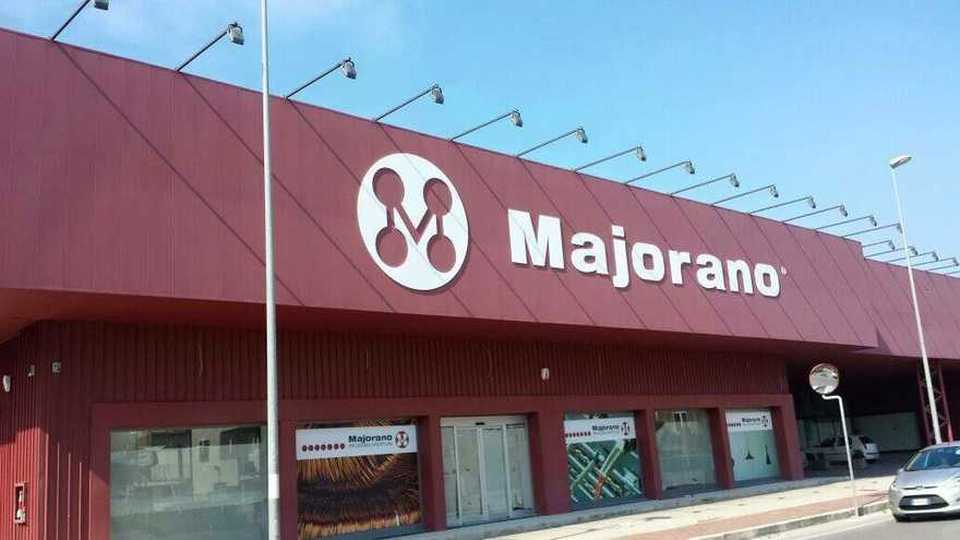 Megastore apre in campania e assume 50enni in mobilit for Mobilia mega store salerno