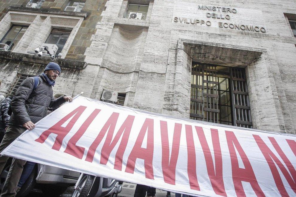 Almaviva, i sindacati esultano: «Prime restituzioni economiche»
