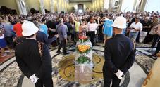 De Crescenzo, l'ultimo saluto di Napoli live sul Mattino.it