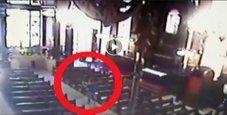 Immagine Strage in cattedrale, spari contro i fedeli: 5 morti
