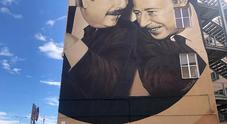 L'oltraggio choc a Falcone e Borsellino, sotto il murales compare la scritta «Gay»