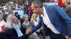 Napoli, de Magistris assente ai funerali di De Crescenzo: «Ma grazie per quello che ci hai regalato»