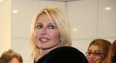 Nathalie Caldonazzo, incidente stradale a Roma: la showgirl è ferita