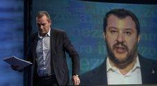 Salvini, attacco a De Magistris: «Fa la flotta per migranti e non si occupa di Napoli»