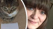 La gatta scorbutica diventa affettuosa e salva la padrona dal cancro