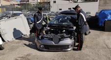 Ricettazione di automobili rubate, blitz nel Napoletano e 17 arresti