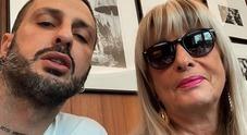 Fabrizio Corona fa pace con mamma Gabriella: «Certi amori non finiscono»