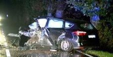Immagine Sbanda in auto e centra un platano: morto