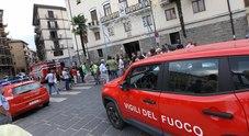 Avellino choc, esplosione in piazza davanti al vescovado: tre feriti
