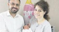 Napoli, la mamma respinta dalla clinica e Marta nasce in casa con il papà