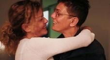 Eva Grimaldi e Imma Battaglia oggi spose, la tenera dedica: «Sei la persona che ho scelto»