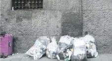 «Federico II, rifiuti selvaggi in strada», e il condominio denuncia in Procura