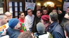 Bomba in pizzeria, l'annuncio di Sorbillo: «Riapriremo lunedì»