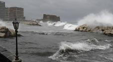 Napoli, sarà un lunedì di passione: allerta meteo, forti temporali dalle 8 alle 20