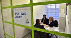 Napoli, M5S in piazza contro De Luca: «Ha il dovere di assumere i Navigator»