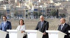 Migranti, accordo al vertice a Malta: ricollocamenti rapidi e rotazione porti. Lamorgese: passi concreti