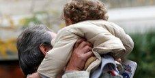 Immagine Bibbiano, madre affidataria caccia la bimba dall'auto