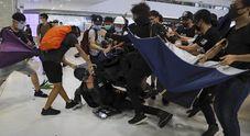 Hong Kong brucia, cinque settimane di proteste e violenze senza precedenti