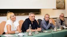 «Napoli magica», folla al Circolo Posillipo per il libro di Vittorio Del Tufo