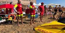 Immagine Bimba, malore in spiaggia: salvata al Surf Expo