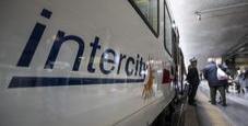 Immagine In treno senza biglietto: «Siamo terrapiattisti»