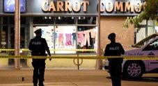 Toronto, spari in strada: un morto e 14 feriti. Ucciso l'attentatore