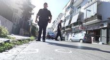 Napoli, la camorra alza il tiro: bomba e cinquanta colpi di pistola, è notte di fuoco