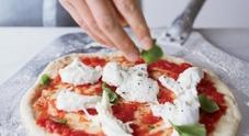 Napoli, i medici litigano e il paziente muore soffocato dalla pizza