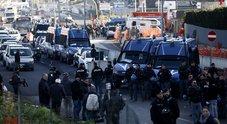 Roma, sgomberata l'ex Penicillina. Salvini: «Altri interventi nelle prossime settimane»