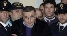 Zagaria «scatenato» in carcere: cella distrutta, minacce agli agenti