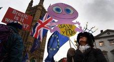 Brexit, il Parlamento boccia l'accordo. May non si dimette