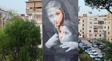 Napoli: street art al rione Luzzatti, sui muri «L'amica geniale»