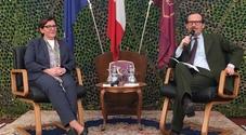 Difesa, il ministro Trenta a Caserta: «Migranti in fuga da fame, non turisti»