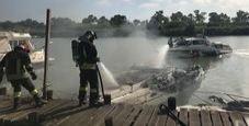Immagine Esplosione su una barca a Fiumicino: tre feriti gravi