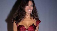 I ricordi d'infanzia di Barbara D'Urso: «Io, la severità di papà e le bugie per andare a ballare. Via da Napoli? Ecco perché»