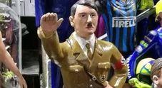 C'è Hitler tra i pastori del presepe, il Comune di Napoli: «Via quella statuetta da San Gregorio Armeno»